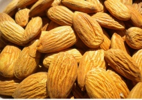 healthy snacks almonds